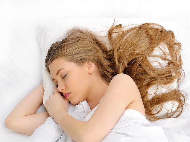 Uyku esnasında strese bağlı olarak dişleriniz gıcırdar.