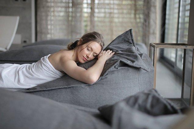 Uyku halinde vücudunuzda cinsel uyarılmalar meydana gelir.