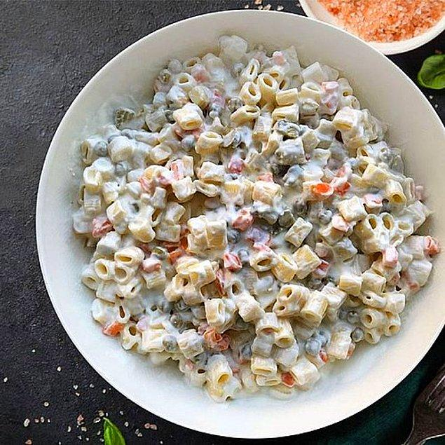 4. Yoğurtlu Makarna Salatası Tarifi: