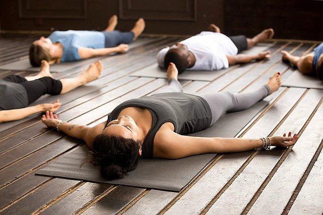 Yoga Nidra içinizde kalmış kalmış gizli duyguları ortaya çıkarır.