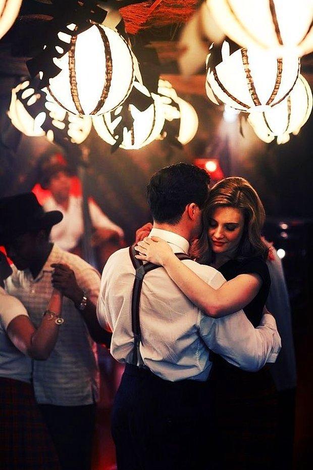 Bir dans gecesine katılmak