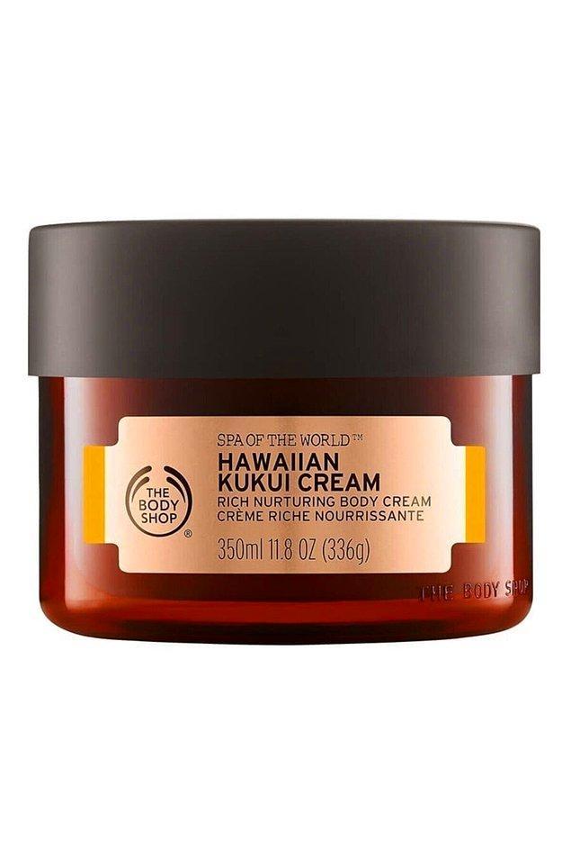 3. Kışın kuruyan cildimiz için en güzel bakımı yapacak olan krem açık ara bu...