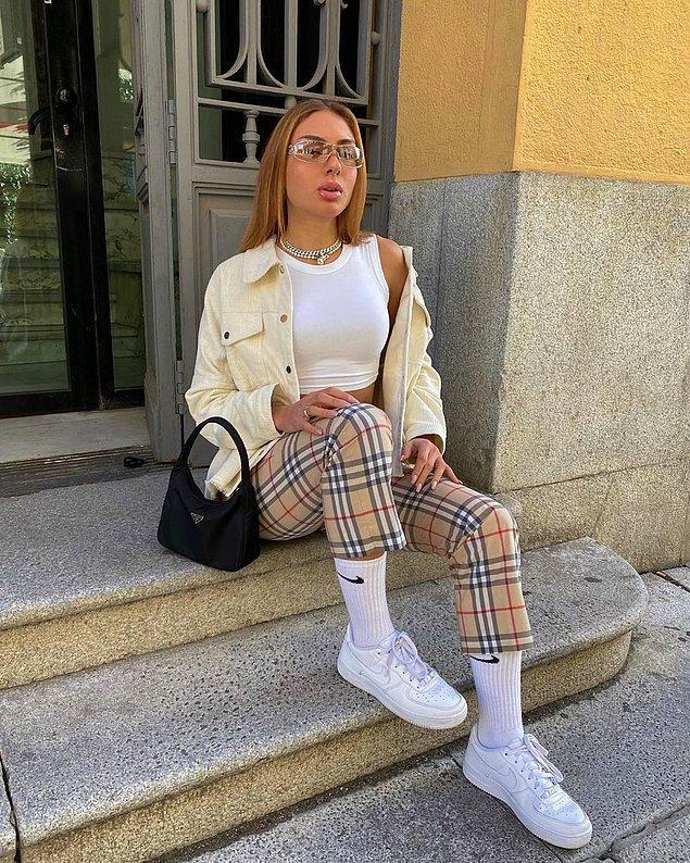 1. Sosyal medya çağında giyinmek, giyinmek olmaktan çıktı.