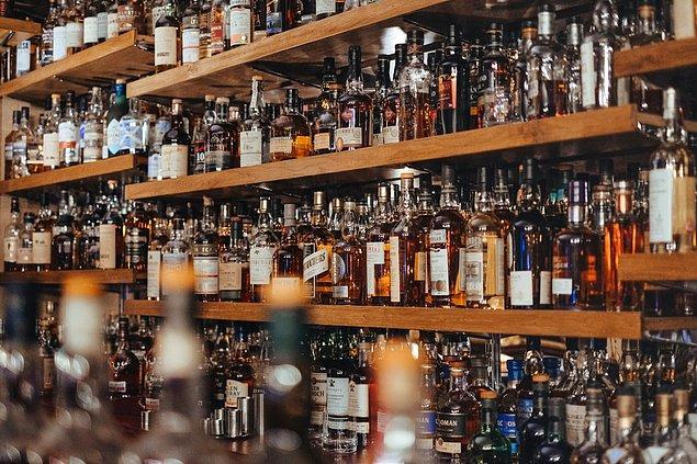 12. Alkol ve sigarada çok fazla vergi bulunur bu yüzden çoğu insan bu alışkanlıklarından vazgeçer.