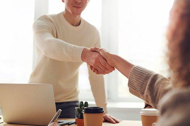 10. İnsanlara isimleriyle hitap etmek güven oluşturur.