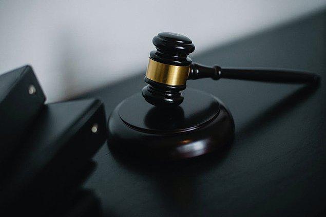 Banka yalnızca ilk evliliğini geçerli saydı ve sonrasında gerçekleşen üç evlilik için de talep edilen ücretsiz izinleri kabul etmedi.