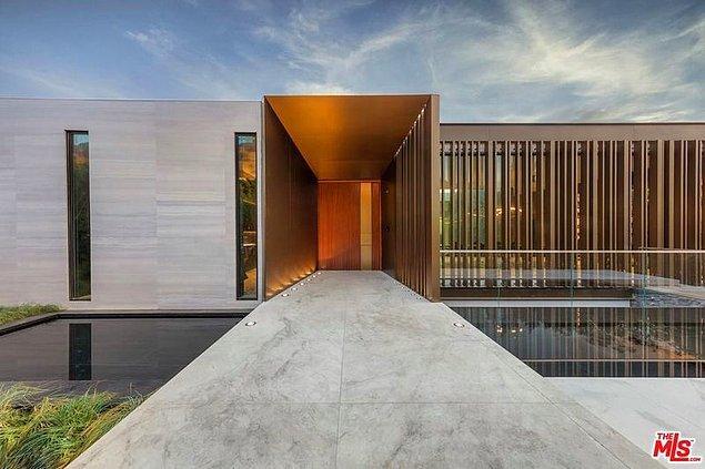 11. SAOTA Modern In Beverly Hills