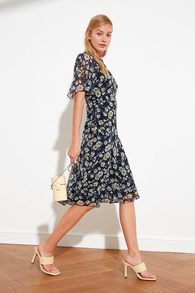 15. Kendinizi hanım hanımcık hissettirecek bir elbise.
