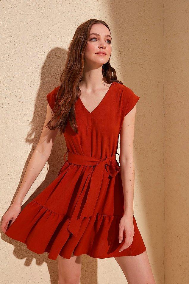 21. Üzerinizden çıkarmak istemeyeceğiniz tatlılıkta bir elbise.