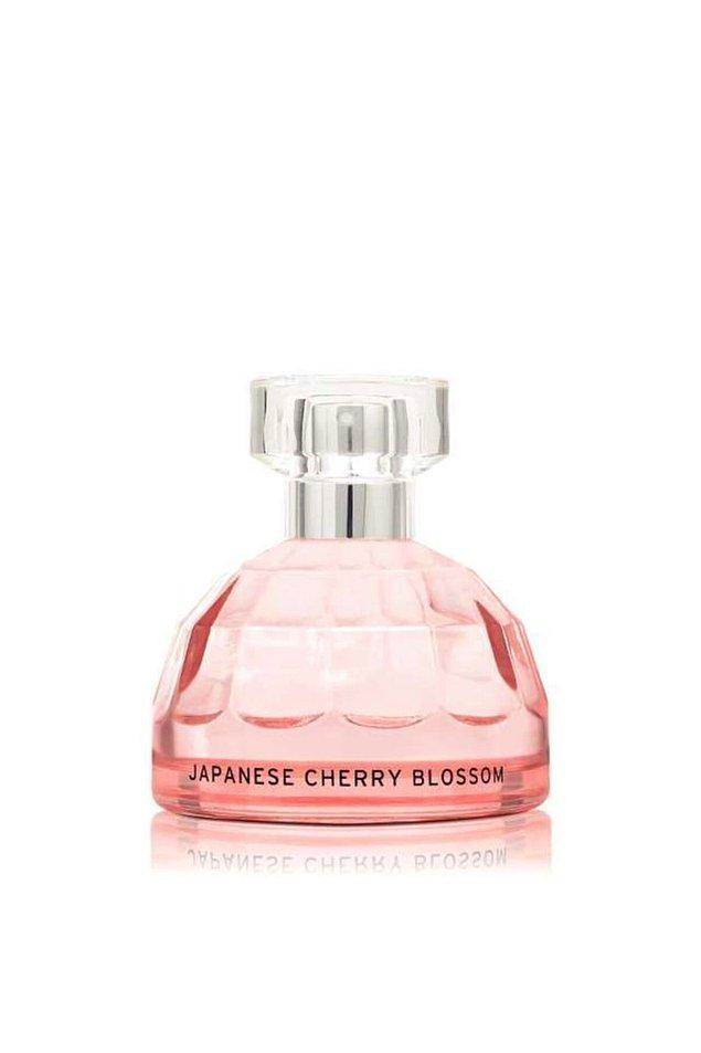 11. Kış kokularını artık bir kenaraa bırakın! Yaza özel fresh parfümünüzle herkesi mest etmeye hazır mısınız?