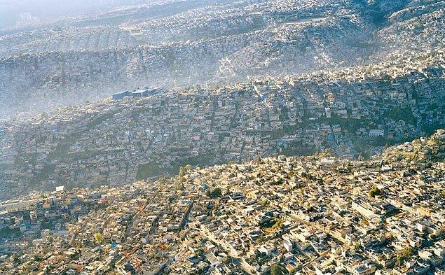 2. Mexico City, Meksika: Batı Yarımküre'nin en kalabalık şehirlerinden biri.