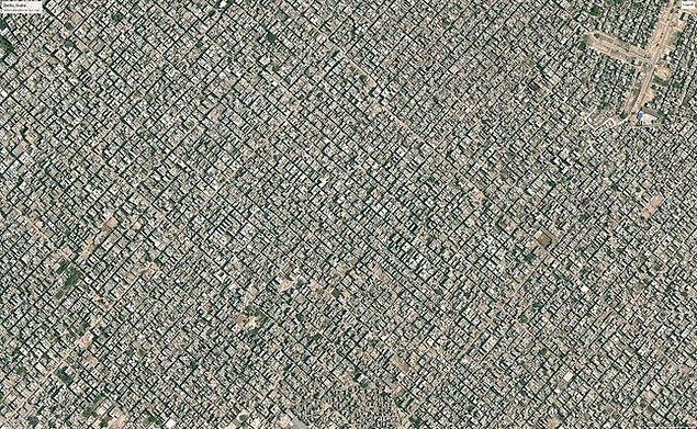 3. Yeni Delhi, Hindistan: Birçok atık depolama bölgesinin dolma noktasına ulaştığı yer. Çevresinde bulunan Delhi'nin nüfusu yaklaşık 25 milyon kişidir.