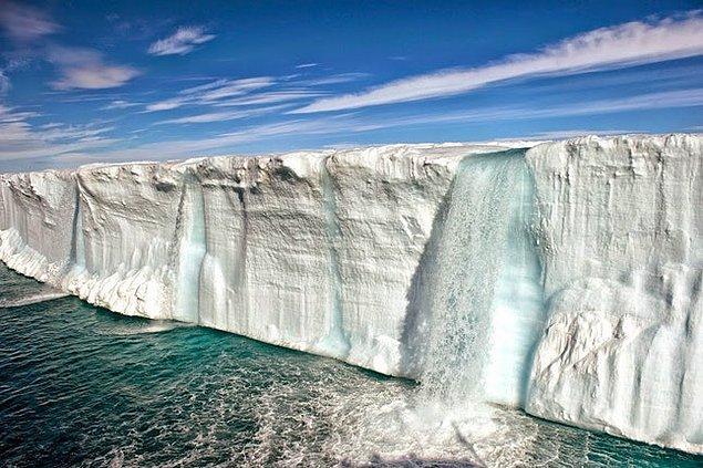 8. Svalbard, Norveç: Yükselen küresel sıcaklıkların ekolojiyi temelden değiştirdiği yer.