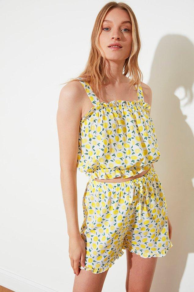 15. Sarı limon desenli pijama takımı da ev kıyafeti olarak değerlendirebileceğimiz sevimlilikte...