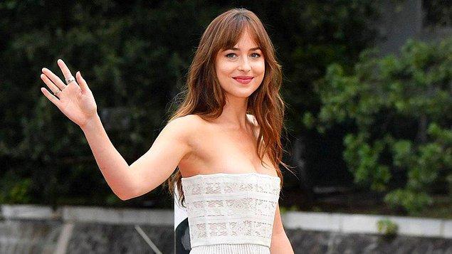13. Dakota Johnson, Jane Austen'ın Persuasion romanından uyarlanacak olan Netflix yapımı filmin başrolünü üstlenecek.