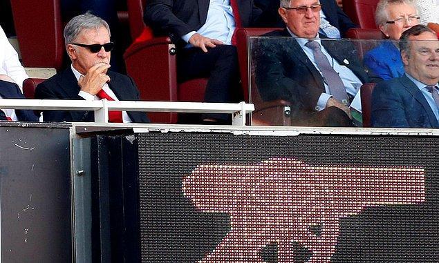 1. Arsenal'in sahibi Amerikalı milyarder iş insanı Stan Kroenke, dünyanın en zengin insanlarından biri kendisi.