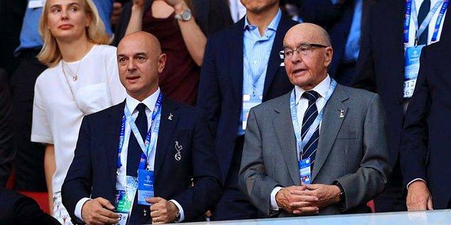 6. Tottenham'ın sahibi olanlar ise iki İngiliz iş insanı. Joe Lewis kulübün %85 hissesinin 70.6%,  Daniel Levy ise %85 hissesin 29.4% sahip.