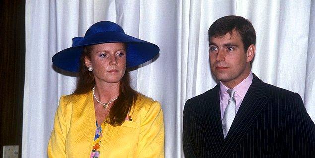 Çift boşanmış ve Ferguson'un kraliyet ile ilişiği kesilmiş olsa da skandallar bitmiyordu.