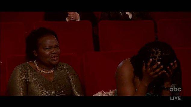 """5. Daniel Kaluuya, """"Judas and the Black Messiah"""" filmindeki rolüyle """"En İyi Yardımcı Oyuncu"""" ödülünü kazandı ve yaptığı garip konuşmada """"Hayatı kutlamalıyız... Annem babamla tanıştı ve seks yaptılar. Bu muhteşem."""" dedi."""