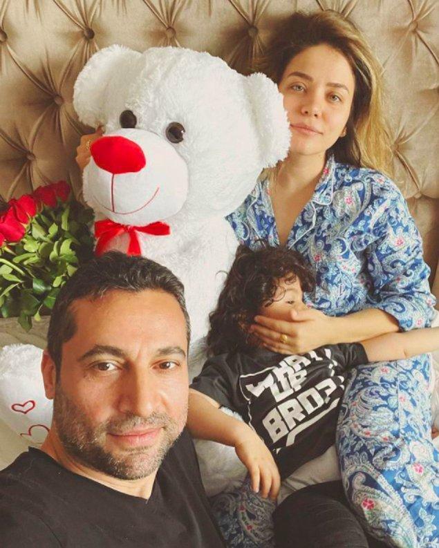 2018 tarihinde Salih Maraş ile Milano'da evlenmiş ünlü oyuncu.