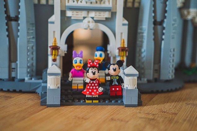18. Minnie ve Mickey Mouse'un ses aktörleri (Russi Taylor ve Wayne Allwine) gerçek hayatta da evlidir.