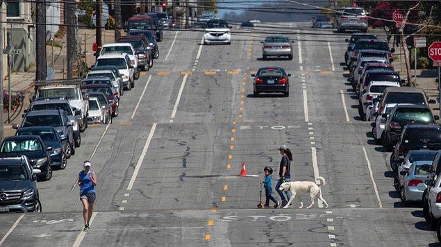 7. San Francisco'nun inişli çıkışlı caddelerinde gazı kökleyip arabayla uçmak.