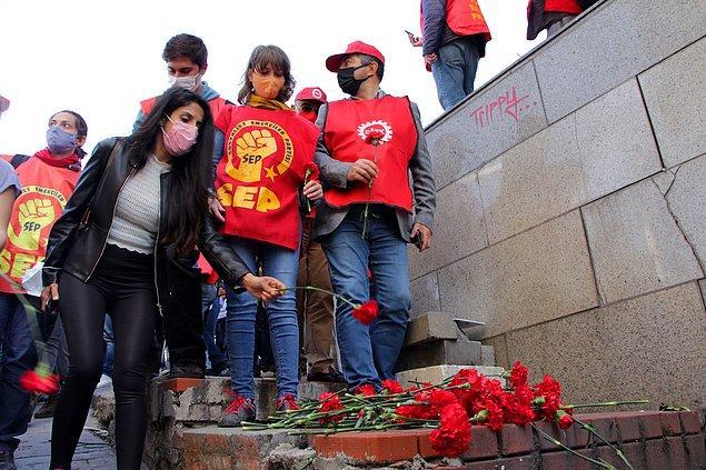 Devrimci İşçi Sendikaları Konfederasyonu (DİSK), Kamu Emekçi Sendikaları Konfederasyonu (KESK), Türk Mühendis ve Mimar Odaları Birliği (TMMOB) , Türk Tabipleri Birliği (TTB) üyesi bir grup 1977 1 Mayıs'ında hayatını kaybedenleri Kazancı Yokuşu'nda andı.