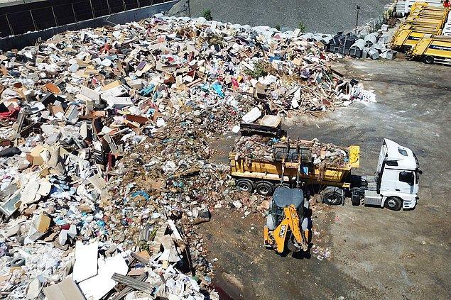 Bir yandan plastik poşet kullanımını ülke içinde azaltırken diğer yandan para karşılığı başka bir ülkenin çöpleriyle çevremizi zehirliyoruz. Buna ihtiyacımız ne derece var bilmiyorum.