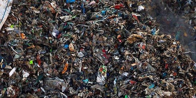Başka ülkelerle işbirliği yaparak ithal çöpleri ülkemize getirip geri dönüşüme sokmak uzaktan bakıldığında belki çevre kirliliğini azaltmak için kabul edilebilir fakat maalesef Türkiye'nin bu çöpleri tamamen dönüştürecek düzenli bir sistemi yok.