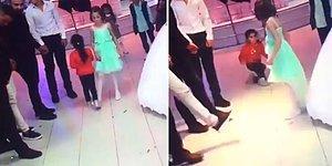 Düğünde Etrafta Koşturan Çocuğa Dünyanın En Temiz Çelmesini Takan Ufaklık