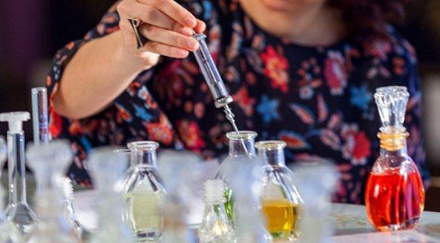 Buhur suyu da çeşitli ot kökleri ve çiçeklerden elde edilen ve dezenfekte amacı ile kullanılan şeylerden biri.