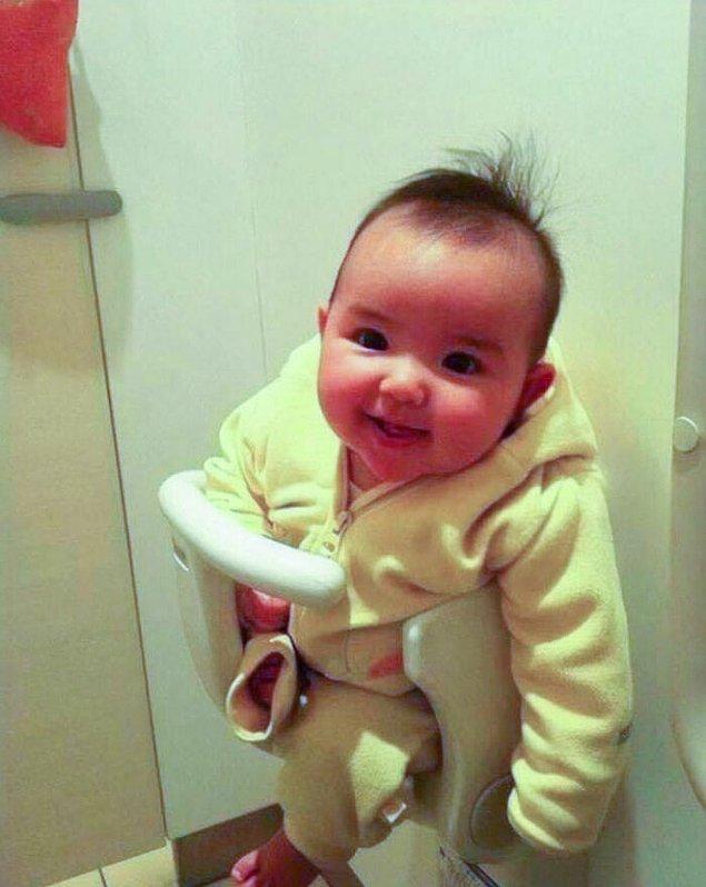 6. Birçok umumi tuvalette bebek tutacağı bulunuyor.