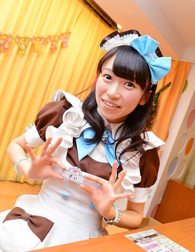 26. Hizmetçi kafeleri Japonya'da oldukça popülerdir.