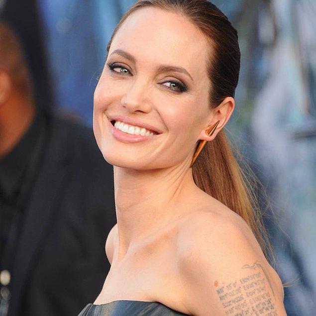 13. Angeline Jolie - Dudak