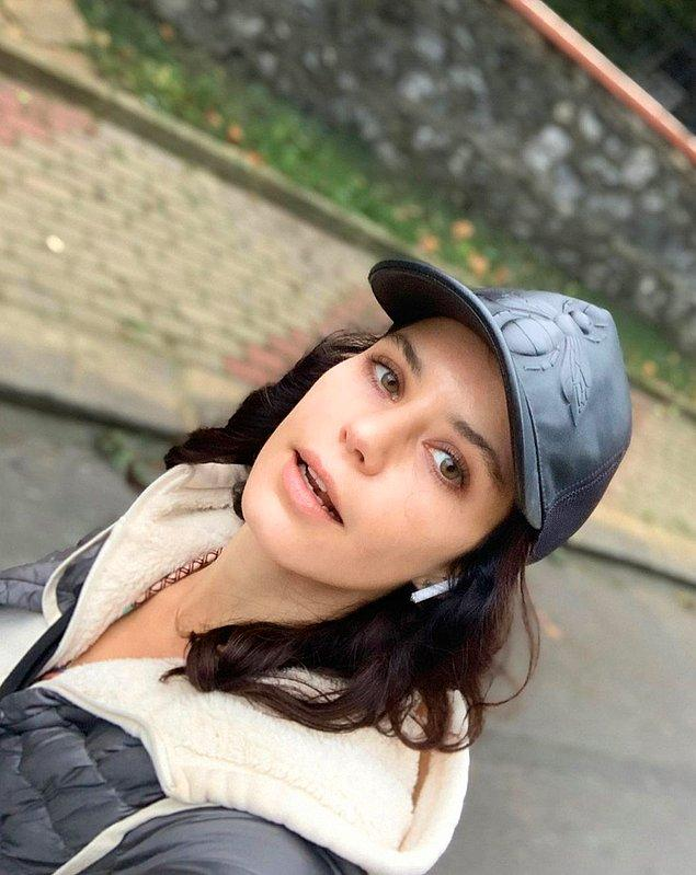 Güzeller güzeli oyuncu Beren Saat'i hepimiz yakından biliyoruz...