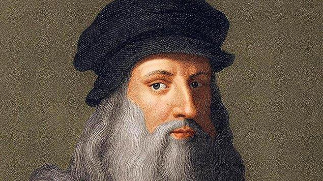 17. Leonardo da Vinci bir eli ile yazı yazarken diğer eli ile resim çizebiliyormuş.