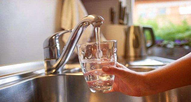 4. Musluktan akan su neden hep aynı yöne döner?