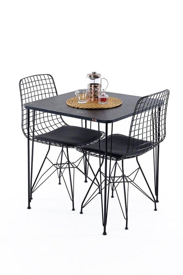 3. Mutfak ve balkon için küçük ve kullanışlı bir masa takımı...