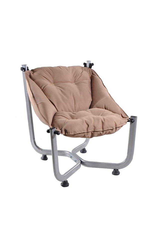 9. Hem rahat hem de dekoratif bir koltuk...