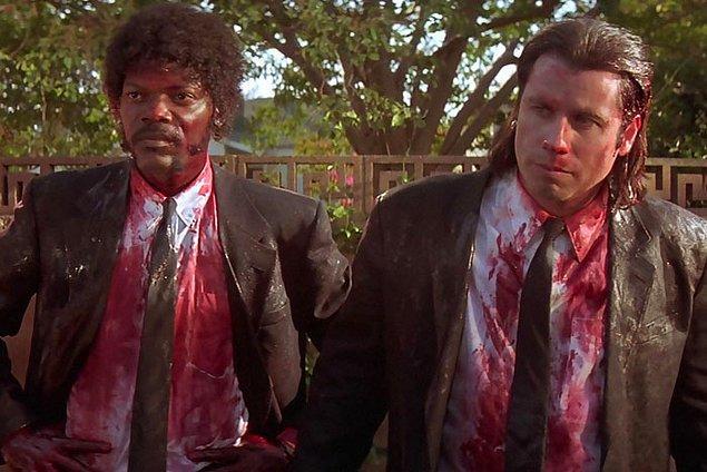 """16. """"Filmlerde aşırı fazla kan ve vahşet var ve normal karşılanıyor. Ama ne zaman bir göğüs gözükse millet kafayı yiyor ve ayaklanıyor."""""""