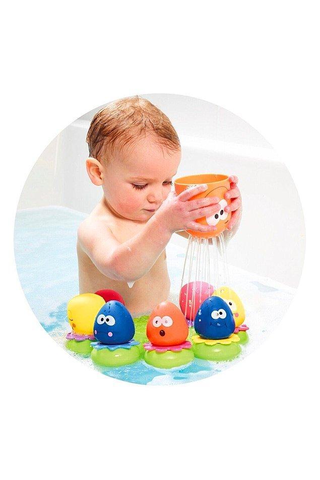 20. Banyoyu sevdirmenin en kolay yollarından biri de banyo oyuncakları elbette.