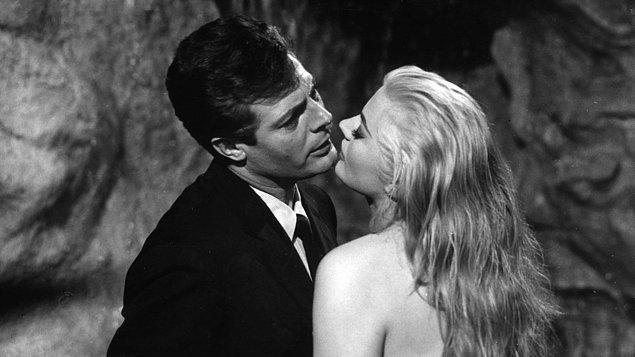 18. La Dolce Vita (1960)