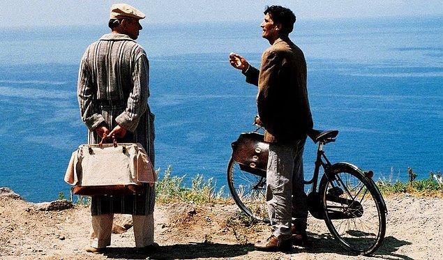 12. Il Postino (1994)
