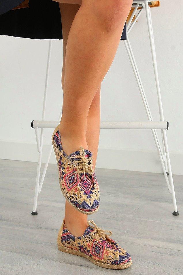 1. Şirin mi şirin bir hasır ayakkabı...