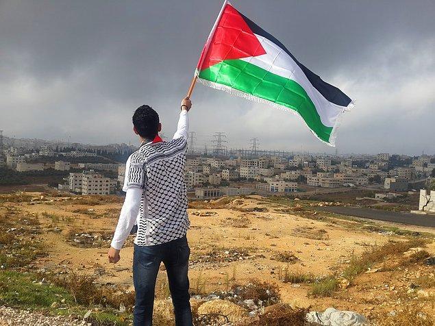Az önce bahsettiğimiz organizasyonların İsrail Yüksek Mahkemesi'ne bulundukları şikayet ve itirazlardan dolayı birçok insan evinden oldu.