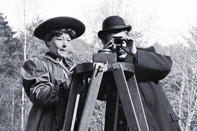 1905 yılına kadar Léon Gaumont'un tüm filmlerini Alice Guy-Blaché çekti.