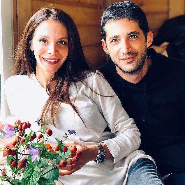Kendisi uzun süredir birlikte olduğu Emir Medina ile evlendi.