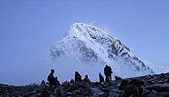 Pandemiye Rağmen Everest'e Tırmanan İki Dağcı Yorgunluk Nedeniyle Öldü