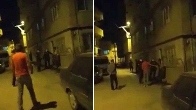 Bursa'da yaşanan olayda, Osmangazi ilçesi Başaran Mahallesi'nde sokaktaki vatandaş evine gitmek üzereyken bekçiler yanına gelip kimlik sordu.