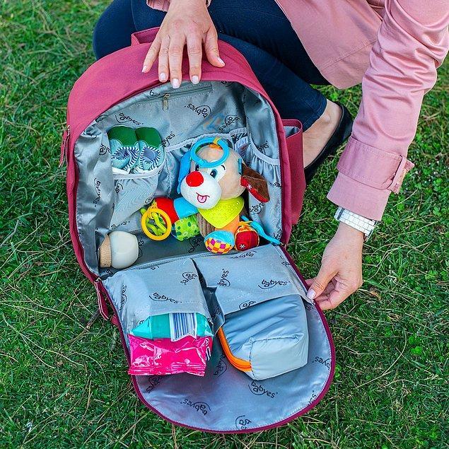 8. Bu çantanın yan bölümünde bulunan termal cep sayesinde bebeğinizin biberonunu istediğiniz sıcaklıkta muhafaza edebilirsiniz.